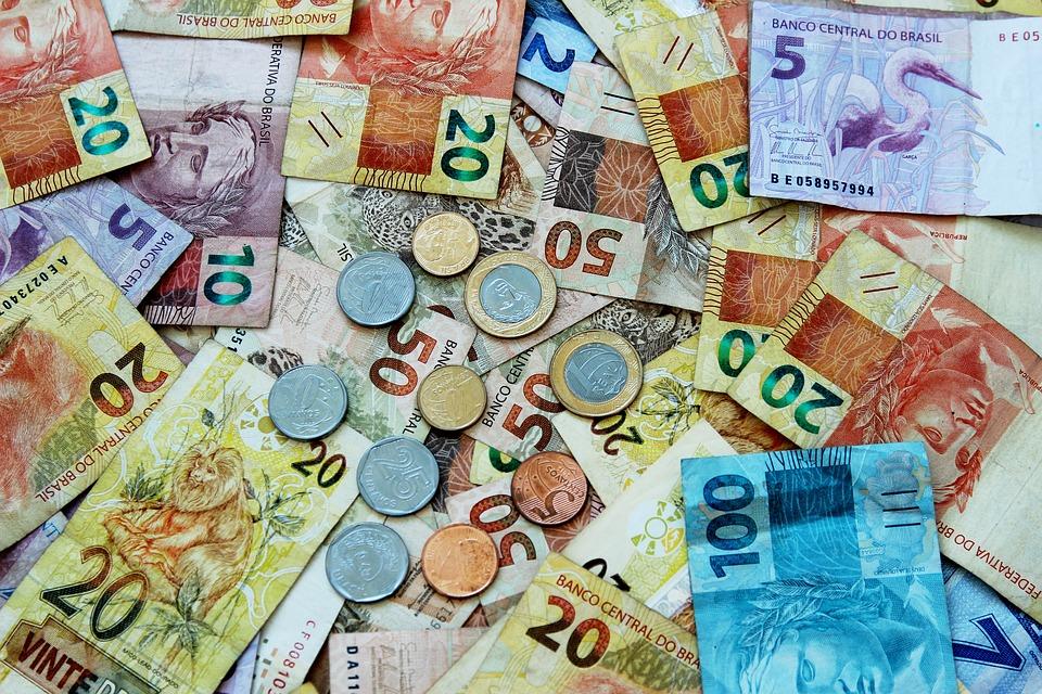 dinheiro em reais